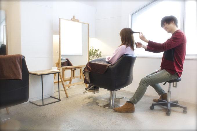 渋谷 表参道 美容室 ヘアサロン JINA hair atelier ジーナヘアアトリエ 三井健司 店内 雰囲気