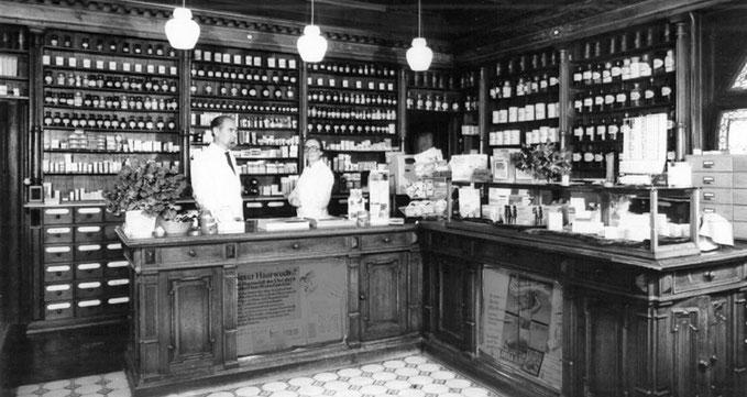 Ladentisch der Apotheke des Johann Philipp Palm