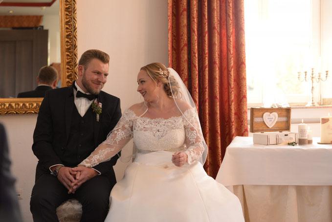 Die Traufrage und das JA des Brautpaaares, der Höhepunkt einer jeder Trauung.