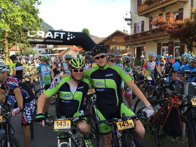 Thomas-Kneifel und Stephan Schmitt vom Team iExpert kurz vor dem Start der 1 Etappe in Ruhpolding