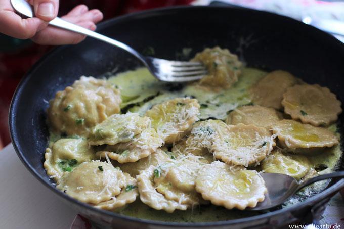 Hausgemechte Ravioli mit Bärlauch oder Spinatfüllung Oligarto