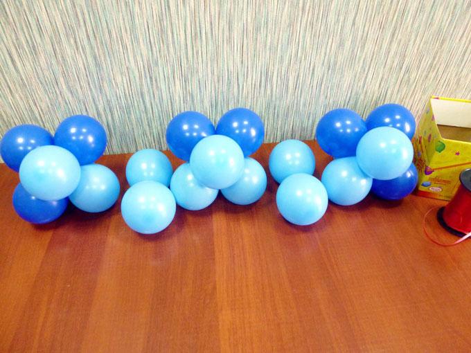 Запас кластеров шаров, потребный для связывания первой строки панно из воздушных шаров