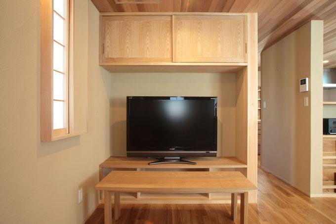 造作のタモのTVボード