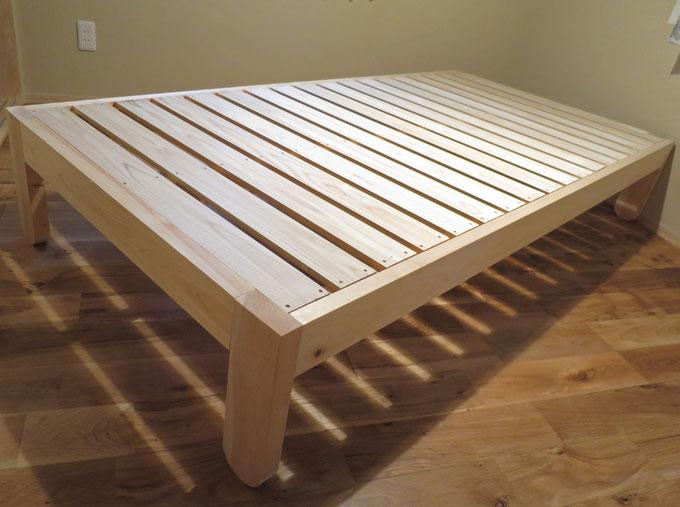 大工手づくりの造作ベッド