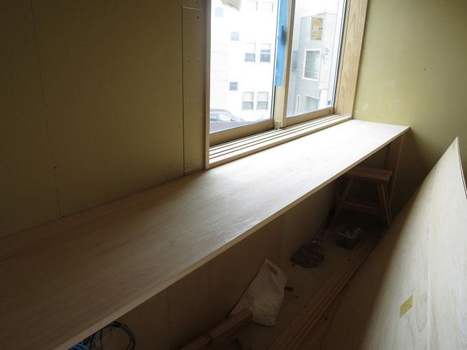 廊下にも造り付けの造作家具