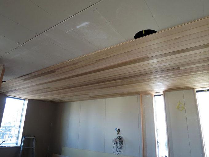 レッドシダーの天井材です