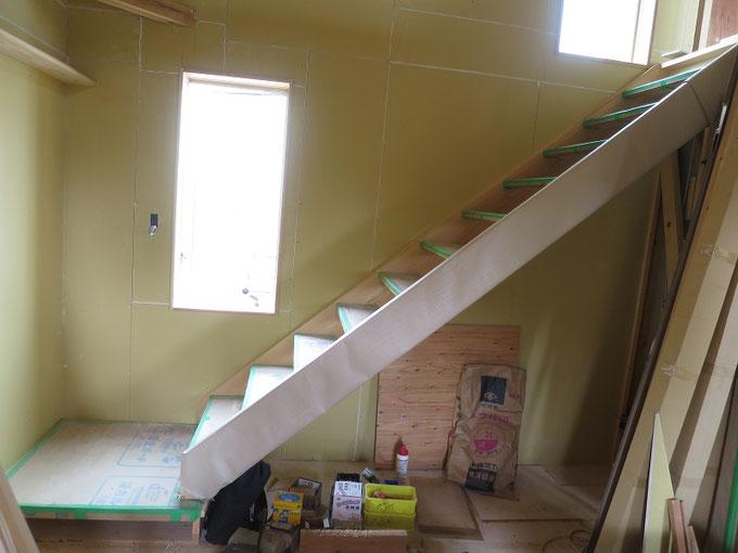 リビング階段の取付が完了です