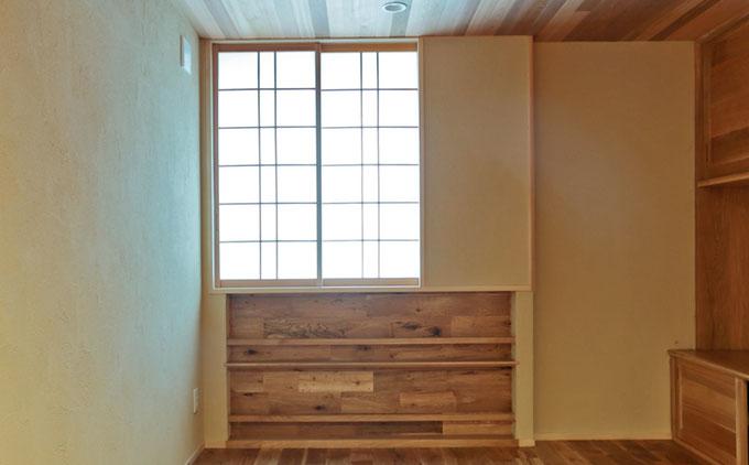 戸袋のある引き込み障子にすることで採光を確保できて、部屋もすっきりと見せることができます