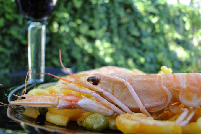 Fideua, spanische Nudel-Paella, zum Vergrößern auf das Bild klicken.