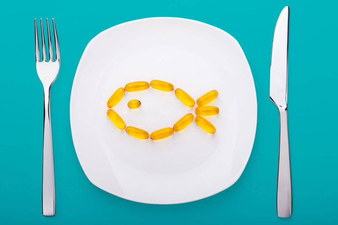 What are top vegan omega 3 sources and vegetarian omega 3 sources? Learn about omega 3 benefits, omega 3 foods, as well as DHA benefits, DHA foods, EPA benefits, and EPA foods. #omega3 #supplements #nutrition #vegan #vegetarian #dha #epa #algae #omega