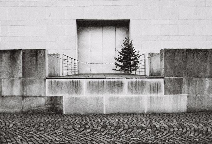 Kunstmuseum Bonn, Schwarz-Weiss, Monocrome, Film, Kodak, Analog, Analogfotografie, Filmfotografie, Museumsmeile,