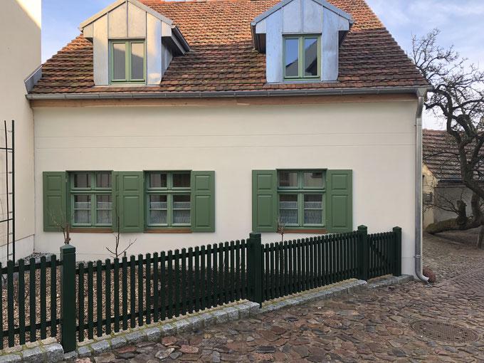Anfertigung historischer Fensterläden und ein Zaun