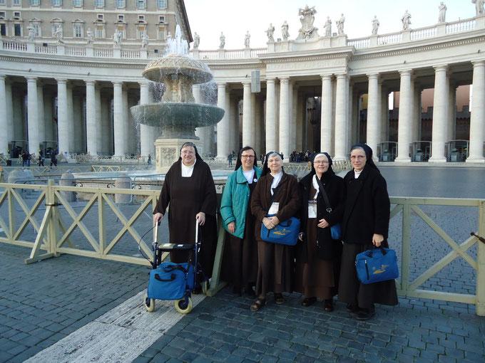 Sr. Mirjam/Köln, Sr. Agnes/Wien, Sr. Lucia/Arnhem, Sr. Bernadette/Maastricht, Sr. Teresa Benedicta/Hannover