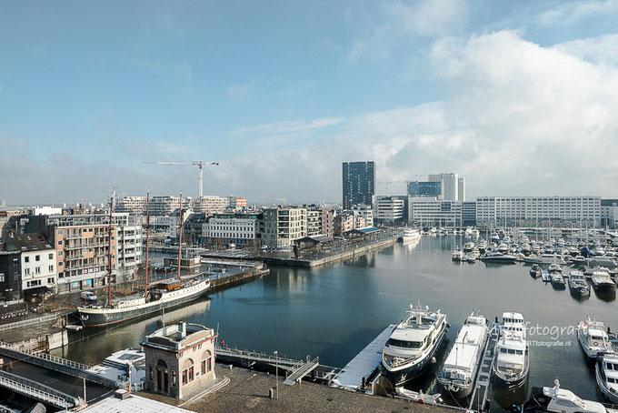 Uitzicht van het MAS te Antwerpen. Alles scherp in beeld