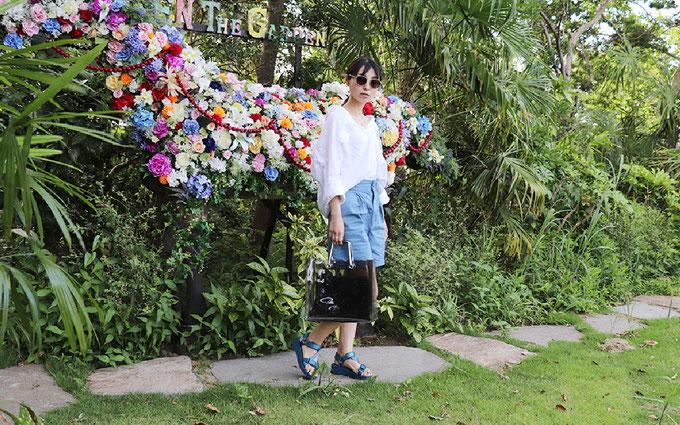 スポーツサンダルC:GU「スニーカーソールサンダル」 花柄ワンピースコーデ