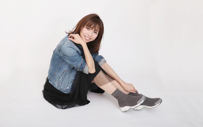 2019AW注目したいショートブーツ&コーデ② ウェービーソールニットブーツ