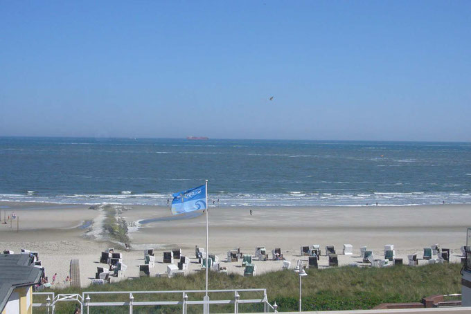 Alle unsere Wangerooge Ferienwohnungen habe einen blick auf die Nordsee. Strand und Promenade, Urlaub Wangerooge pur.