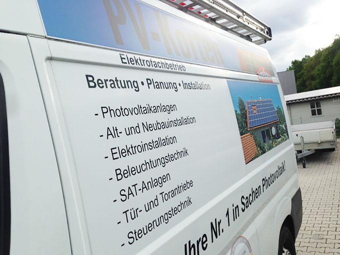 Fahrzeugbeschriftung PKW PKW mit Digitaldruck Vollverklebung