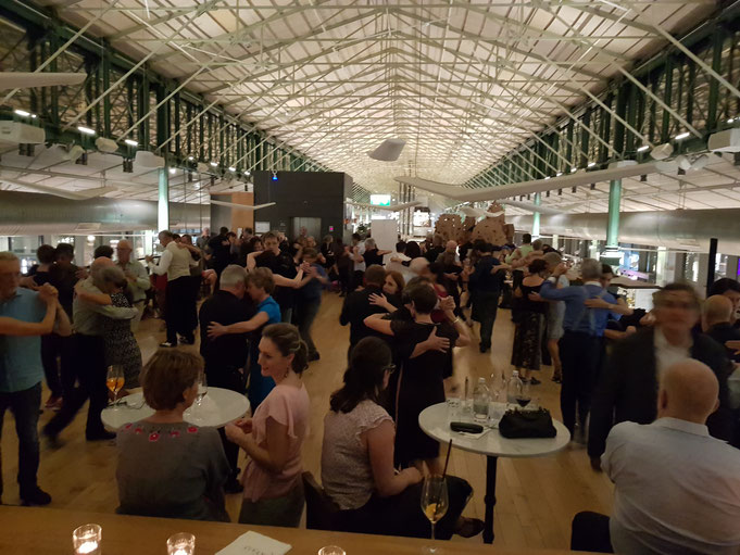 Milonga in München, Milonga in der Schrannenhalle, Tango tanzen München, Tango Argentino München