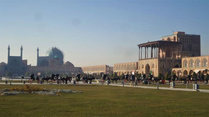 исфахан иран али капу майдан накш-э джахан