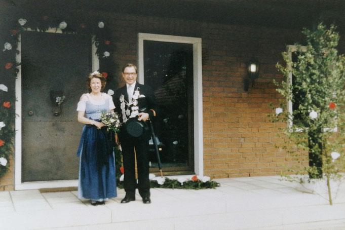 1988: Mauritius Droste zu Senden mit seiner Frau Alexandra (geb. Freiin von dem Bongart)