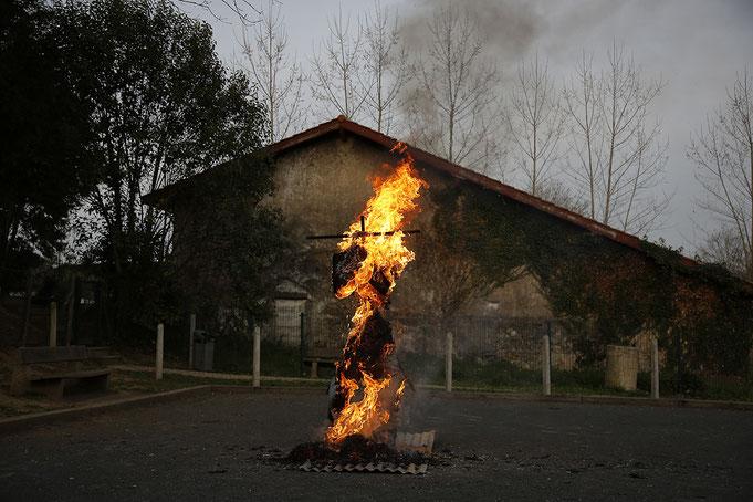 """""""Sua ! Sua !"""" Jugement de Zanpanzar à Ahetze village basque situe dans la province du labourd. © Patrick Tohier"""