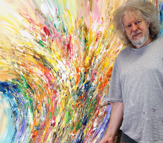 ..after creating the artwork: Peter Nottrott with Celebration M 9