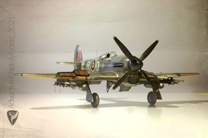 Hwker Typhoon Mk Ib  version: 143° SQN.  Wg Cdr R.T.P. Davidson, April 1944  - Kit: Airfix 1/24 scale model