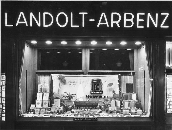 Eine Aufnahme des Schaufensters von 1939