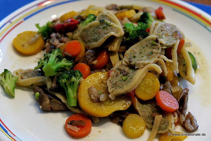 Maultaschen-Gemüse-Pfanne mit Pilzen