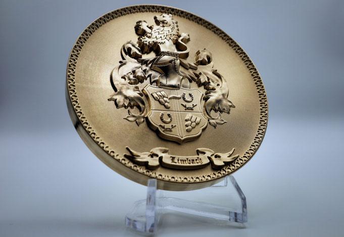 Wappen in Bronze