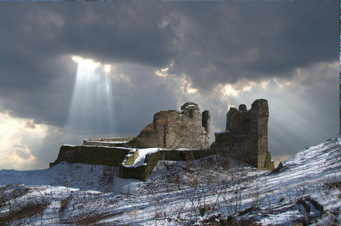 Fotomontage der Burgruine Rodenstein ohne Bäume