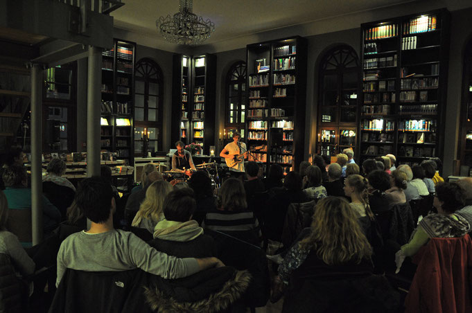Tom James (Oktober 2015) Bibliothek im Conversationshaus Norderney
