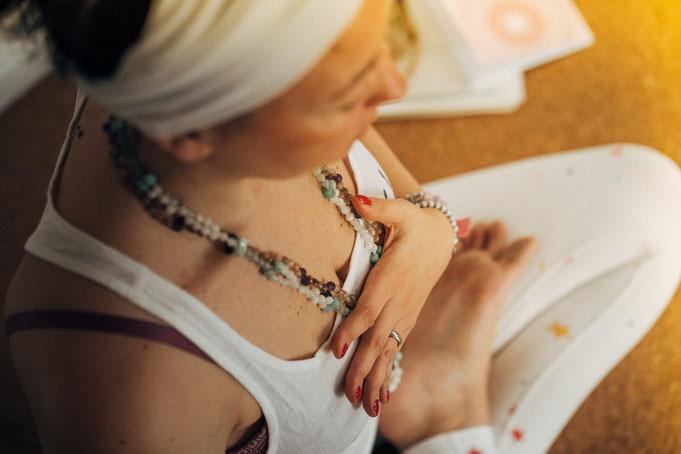 Yogalehrerin für Hatha und Kundalini Yoga Denise Kirchberg