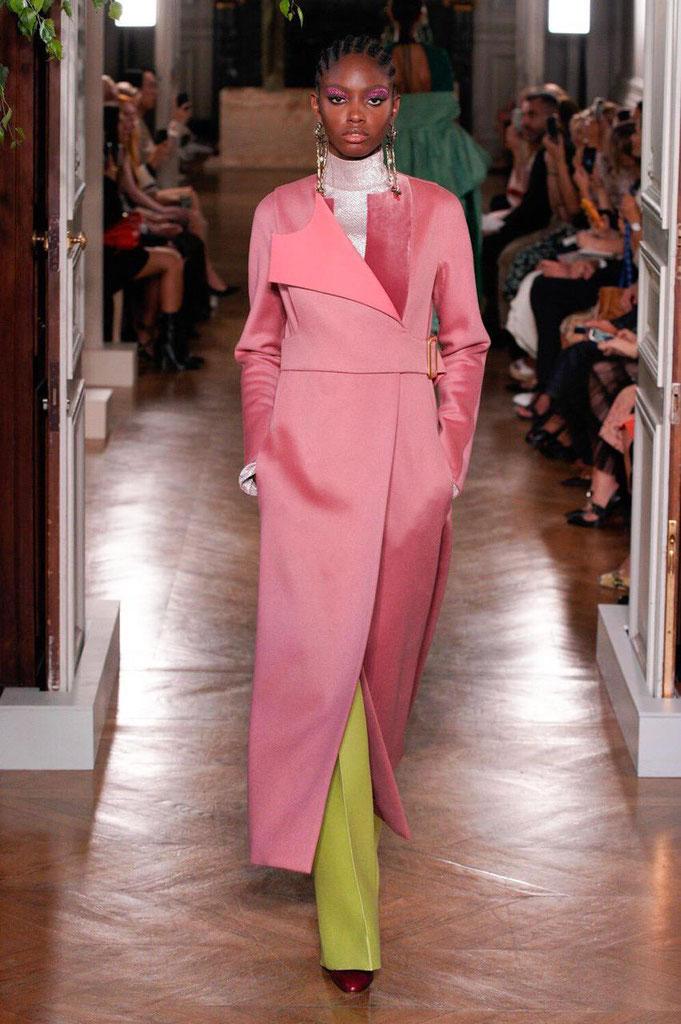Défilé haute couture automne-hiver 2019-2020 Valentino. (Photo : Alessandro Lucioni)
