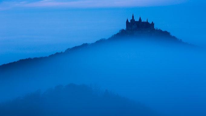Blaue Nebelstunde ... dieses Foto entstand vor dem Sonnenaufgang (Langzeitbelichtung).