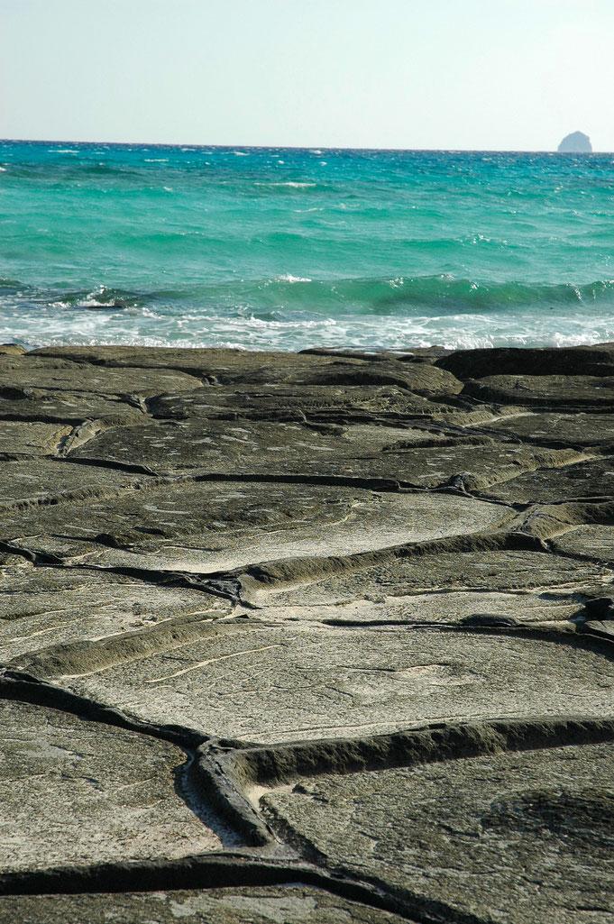 直径1mほどの奇岩