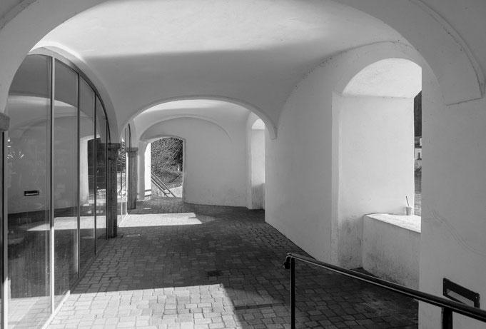 Wasserburg am Inn - Gewölbe zum Uferweg der Innschleife, Peter Adam, Makro, pa-foto, Natur, Fotografie, Photographie, Photokunst, Fotokunst