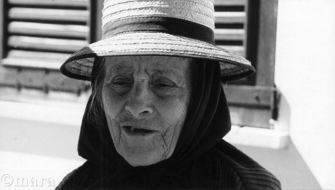 Senhora de naranja's  - Rasmalho N266 - 1989