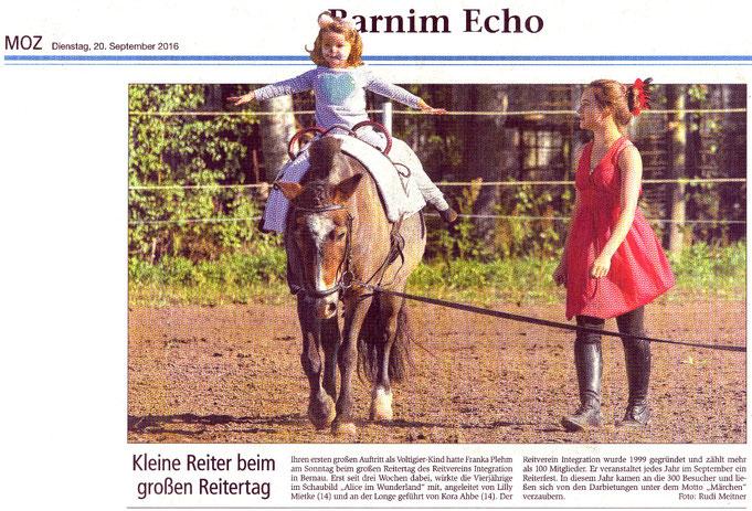 """Kleine und große Voltigierer beim Reitertag des RVI, erscheinen in """"Barnim Echo"""" am 20.09.2016"""