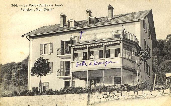 L'hotel Mon Désir fu costruito da Roger Lehman all'inizio del XX mo secolo. Oggetto in seguito di molti lavori di modifiche e ampliamenti, occupato dal 1916 al 1918, dagli internati di guerra belgi e francesi