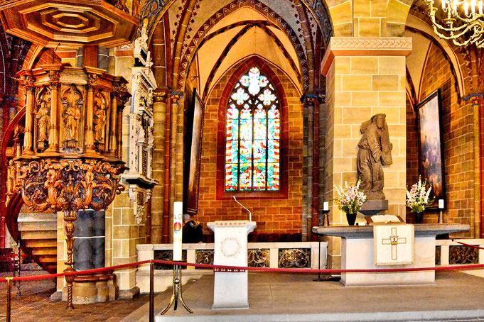 Im St. Petri Dom in Bremen 11
