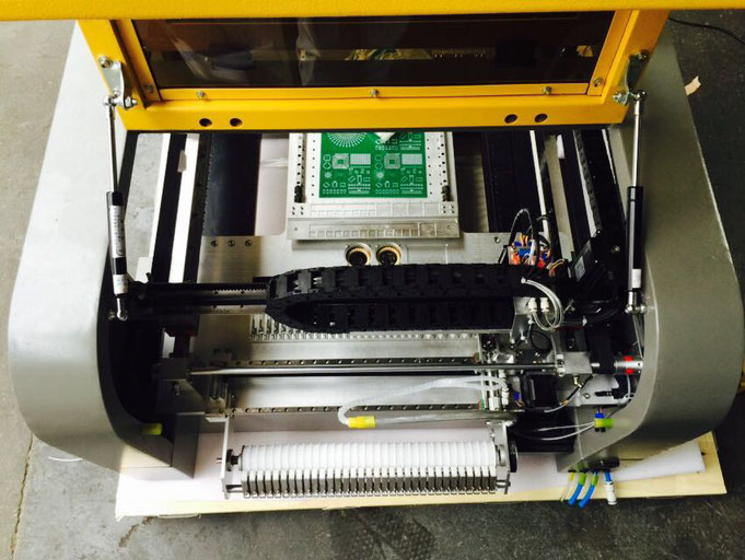 VP-2500DP-CL32 push feeder on the back side included
