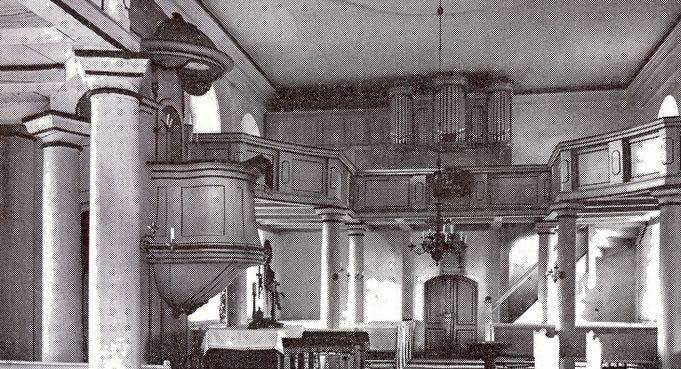 Innenansicht der 1945 zerstörten Vorgängerkirche