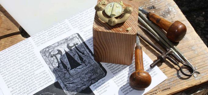 Recherche und Handwerk in der Werkstatt Porath