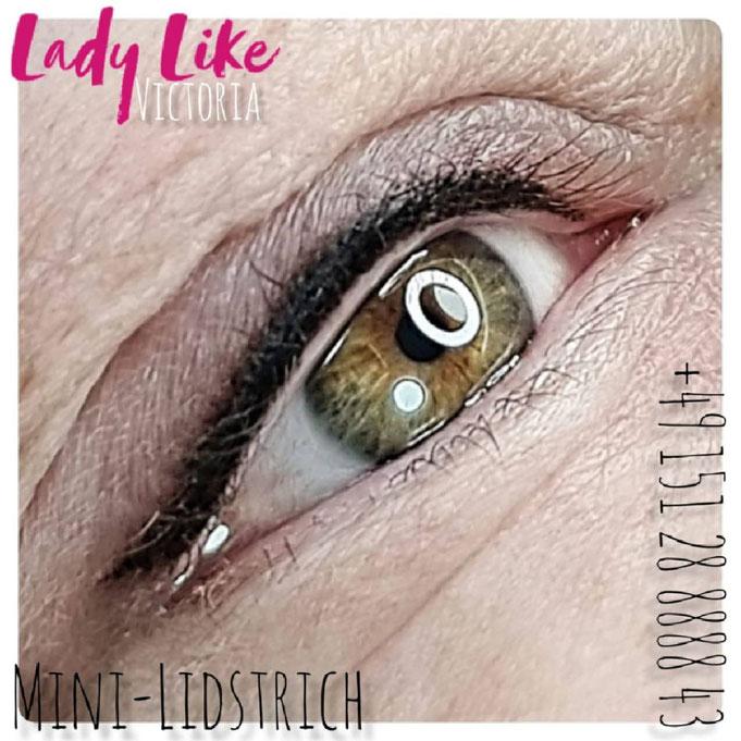 Mini-Lidstrich Permanent-Make-up (Foto im Studio LadyLikeVictoria erstellt, und nicht wie bei der Konkurrenz aus dem Photostok)