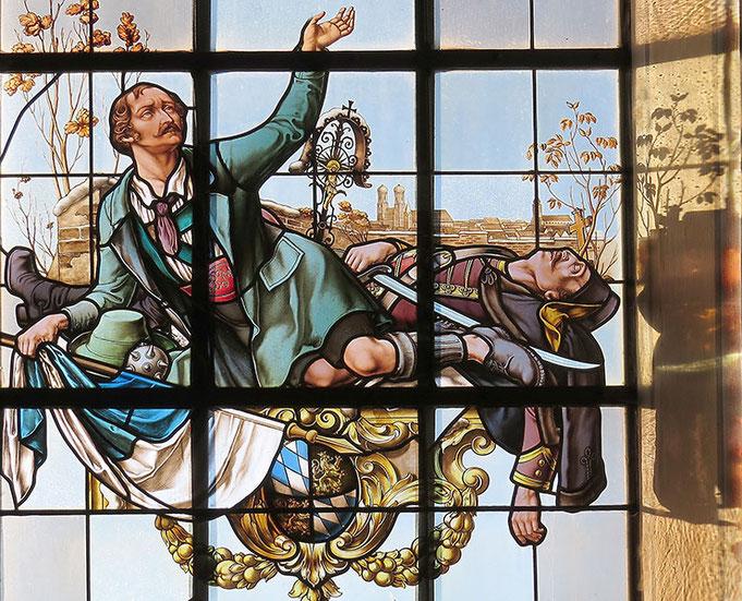 Kirchenfenster in der Kirche St. Martin zu Waakirchen in Erinnerung an die Sendlinger Mordweihnacht