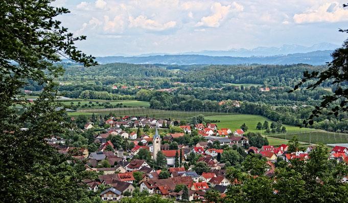 """Blick auf Laimnau vom """"Hausberg"""" Grafenholz"""