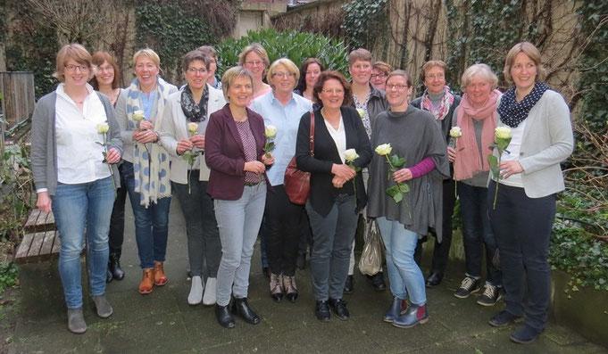 Die seit der letzten Mitgliederversammlung neu aufgenommenen Mitglieder wurden mit einer Rose beschenkt.