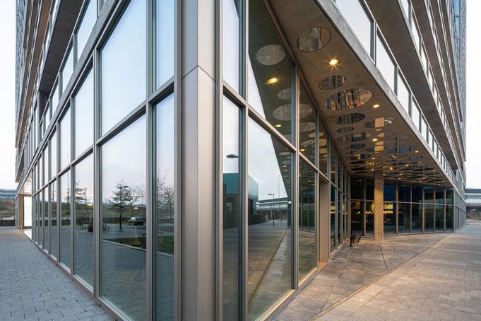 #wielarets #WAA #wielaretsarchitects #vandervalk #rollecate #hotel #pleijsierbouw #zuidas #egbertdeboer #egbertdeboerfotografie #verwol #architectuur #greenwall #architecture #architecturalphotography